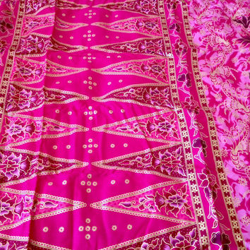 2 Yards Malaysian Batik Fabric Pink Floral Textile Sarong Lightweight Cotton