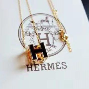 Hermes High Quality Hot Sale H Letter Pendant Necklace Accessories Jewelry Black