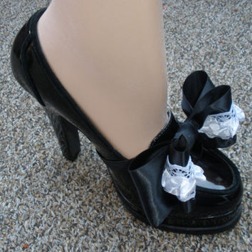 Attractive Black and White Shoe Bow Wrap Accessories for Your High Heel Shoes Not Shoe Clips