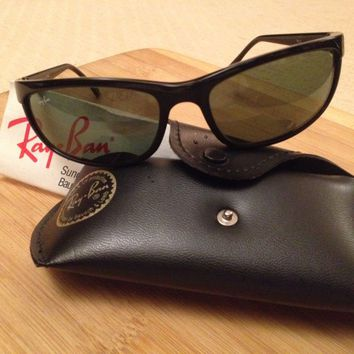 New!!! Black Ray-Ban 2027 Predator 2 W1847 Sunglasses (with leather case)