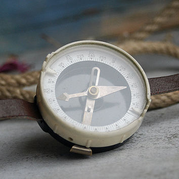 vintage old compass     Oct 10