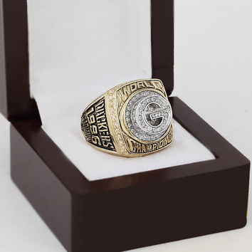 Green Bay Packers Super Bowl Football Championship Replica Ring 1996