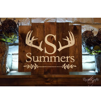Rustic Antlers with Family Name Pallet Sign