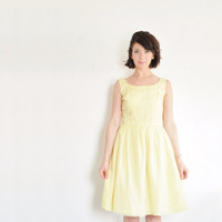 pastel yellow mid century dress . sheer crepe . daisy flowers .small