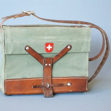 SWISS ARMY Ammunition Bag from 1967 with Shoulder Strap, Military Satchel, Ammo Bag, Messenger Crossover Bag, Switzerland, Swiss Cross