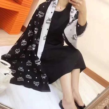 """""""Mcm""""Woman Casual Fashion Classic Comfortable Double-Sided Mashup Scarf"""