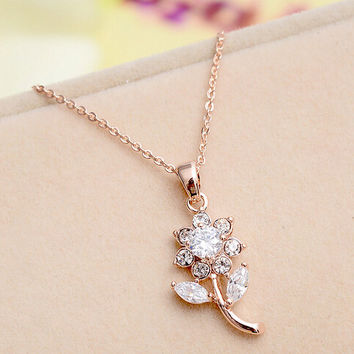 Womens Twinkle Crystal Flower Pendant Necklace Gift-112