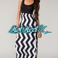This black and white Chevron Long Maxi dress is a must have for fall!