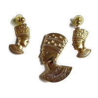 Vintage 1980's AVON Nefertiti Brooch / Pendant & Earrings Set Egyptian Revival