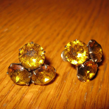 Beautiful Amber Glass Earrings / 1940s Brass Screw Back Earrings
