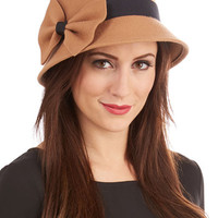 ModCloth Vintage Inspired Dancy Seeing You Here Hat