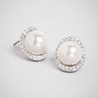 Curved Pearl Studs