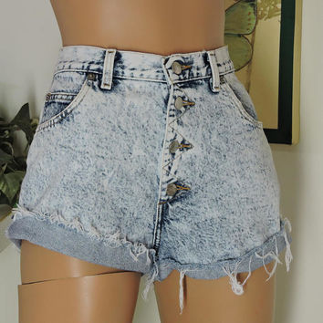 "80s high waisted shorts / size 7 / 8 / retro acid washed high waist denim shorts / 29"" waist / high waisted jean shorts / retro Sasson"