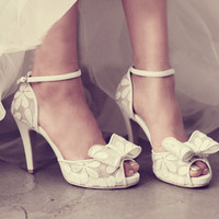 Sweet see through lace bow wedding shoes ,  peep open toe white party prom pumps ,  small platform heels , bridal shoes