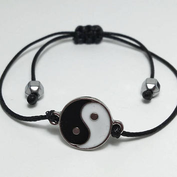 MENS BRACELET Yin Yang Thin Bracelet Mens Thin Bracelet Mens Slim  Bracelet Small Black Spinel Jewelry Style Men Total Black Men Strech