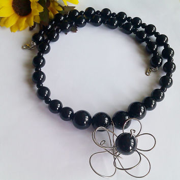 Onix Chakra Necklace, Gemstone onyx Black Necklace,Round Black Stone Necklace,Charm aluminium flower necklace,Black gemstone beaded necklace
