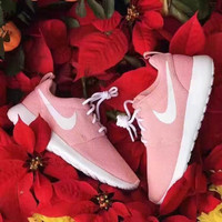 NIke Women Lovely Pink Casual Sports Shoes