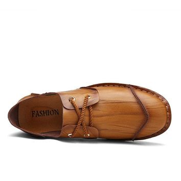 Men Vintage Hand Stitching Special pattern Cap-toes Flat Casual Leather Shoes