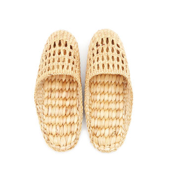 Natural Handmade - Closed Toe Slippers for Men and Ladies - Hand Woven Water Hyacinth - Crochet Style