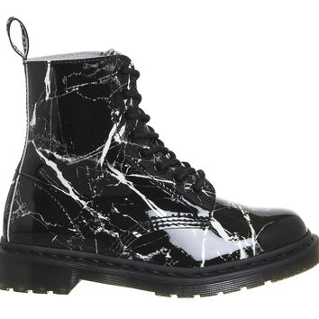 Dr. Martens 8 Eyelet Lace Up Boots Black Patent Marble - Ankle Boots