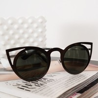 Black Metal Round Cat Eye Sunglasses