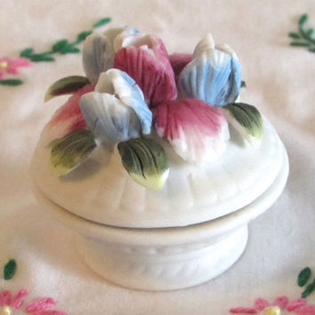 Tiny Trinket Box, Miniature Blue and Violet Daffodil Porcelain Box, Ring Storage Box, Wedding Ring Box, Art Collectibles, laslovelies