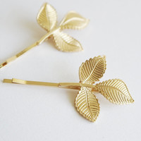 Gold leaves hair clips, bridal bridesmaid hair accessories, solitaire minimalist romantic delicate natural country wedding vintage