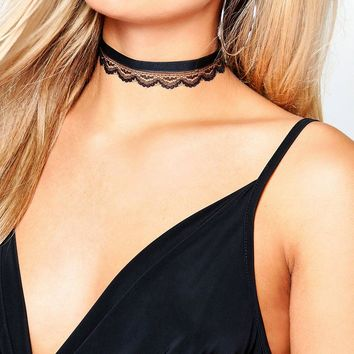 Plus Kerry Velvet + Lace Double Layer Choker | Boohoo