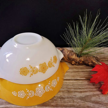Vintage Pyrex Set of 2 Butterfly Gold White Cinderella Nesting Mixing Bowls 444 and 443