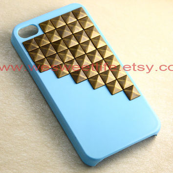 Studded Iphone 4 Case, Bronze pyramid studs blue IPHONE 4 Case--- Apple iPhone 4s Case, iPhone 4 Case, iPhone 4 Hard Case