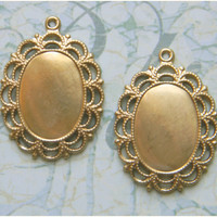 Raw Brass Oval Bezel Setting Photo Pendant Frame 18mm x 13mm - 4 pcs.