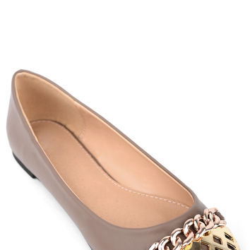 Faux Leather Pumps With Golden Chain And Cap Toe Detail