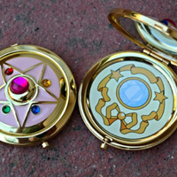 Sailor Moon Crystal Star Compact Broch Locket Fully Functional CosPlay Doll Prop