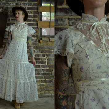 Vintage 70's Micro Floral Cotton & Lace Gunne Sax Style Prairie Dress