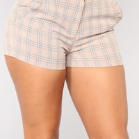 Get A Clue Plaid Shorts - Mauve