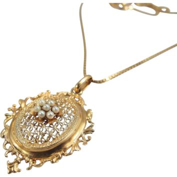 Solid 18K gold French necklace Finely crafted pendant with pearls and box link chain Fully hallmarked