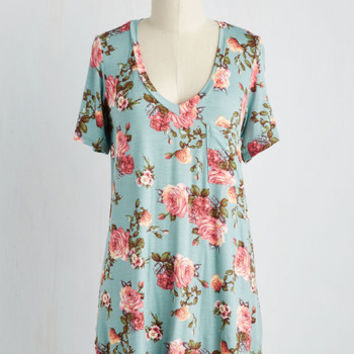 PROMO TOP V: Packing Preserves Top in Sky Floral | Mod Retro Vintage Short Sleeve Shirts | ModCloth.com