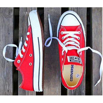 Converse Fashion New Canvas Solid Color Women Men Sports Leisure Shoes Red