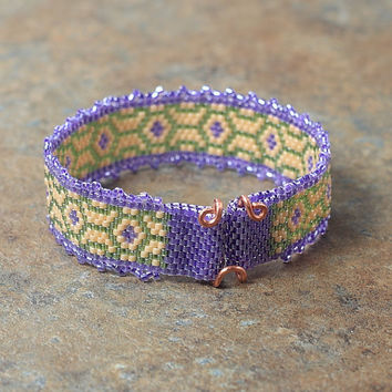 Lavender Art Nouveau Peyote Stitch Beaded Bracelet