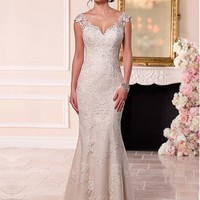 [176.66] Amazing Tulle V-neck Neckline Mermaid Wedding Dresses with Beaded Lace Appiques - dressilyme.com