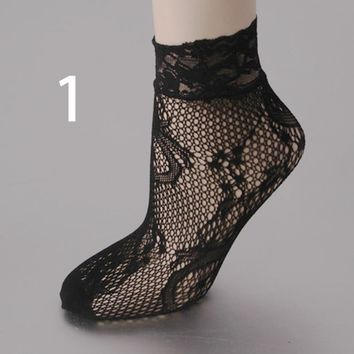 1Pair New Women Harajuku Black Breathable Lace Nylon Fishnet Socks Sexy Hollow out Lady Girls Mesh Nets Socks Good Quality