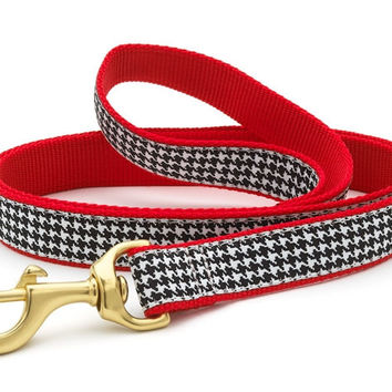 Classic Black Houndstooth Lead