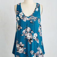 Mid-length Sleeveless Infinite Options Top in Cerulean