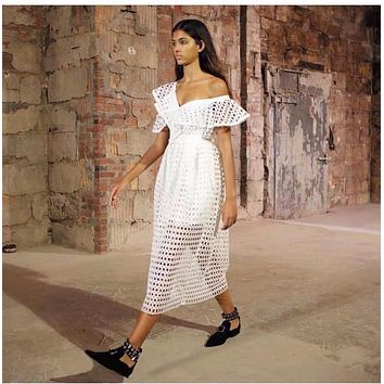 Self Portrait White Lace Dress Off Shoulder Ruffles Sleeve Ladies Sexy Dress 2017 New Summer Hollow Out Sexy Female Party Dress