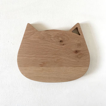 SOLD OUT , PREORDER - Wooden Cat Face Cheese / Bread Board, Cutting Board, Gifts for the Host, Kitchen Gourmet,