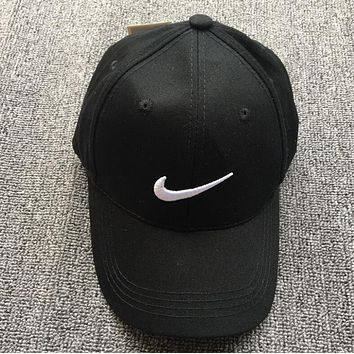 Nike Trending Women Men Logo Embroidery Baseball Cap Hat Sport Sunhat Cap Black
