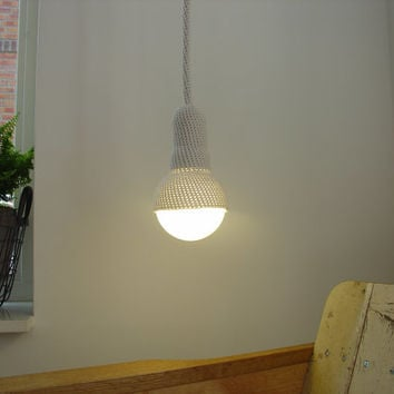 Lampe, ceiling pendant light and 1 meter cord, crocheted in light grey