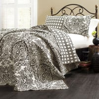King Size 3 Piece Cotton Quilt Set in Black White Paisley Damask