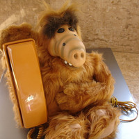 Wow - Very cool vintage Alf telephone