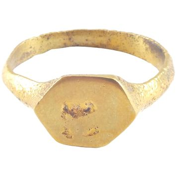 FINE MEDIEVAL EUROPEAN RING